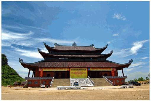 東南アジア最大!ベトナム「バイディン寺」の魅力に迫る